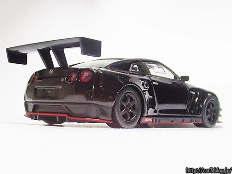 kyosho_NISSAN_GT-R_NISMO_GT3_04