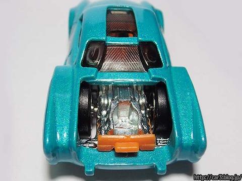 Hotwheels_Volkswagen_Karmann_Ghia_13
